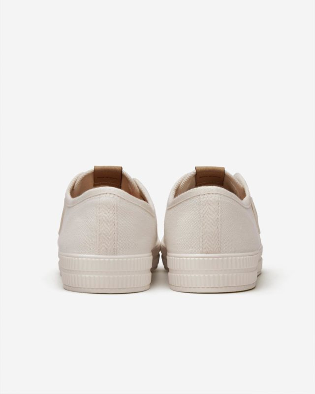 GO-ANYWHERE SNEAKERS •Made In The Neighborhood• ®️RIVA SAIL WHITE®️ www.thecutproject.com . #leathersneakers #vulcanizedsneakers #whitesneakers #thecutproject #thecutprojectshoes #womensneakers #womenshoes #sneakers #luxuryshoes #madeintheneighborhood ©️THE CUT PROJECT©️